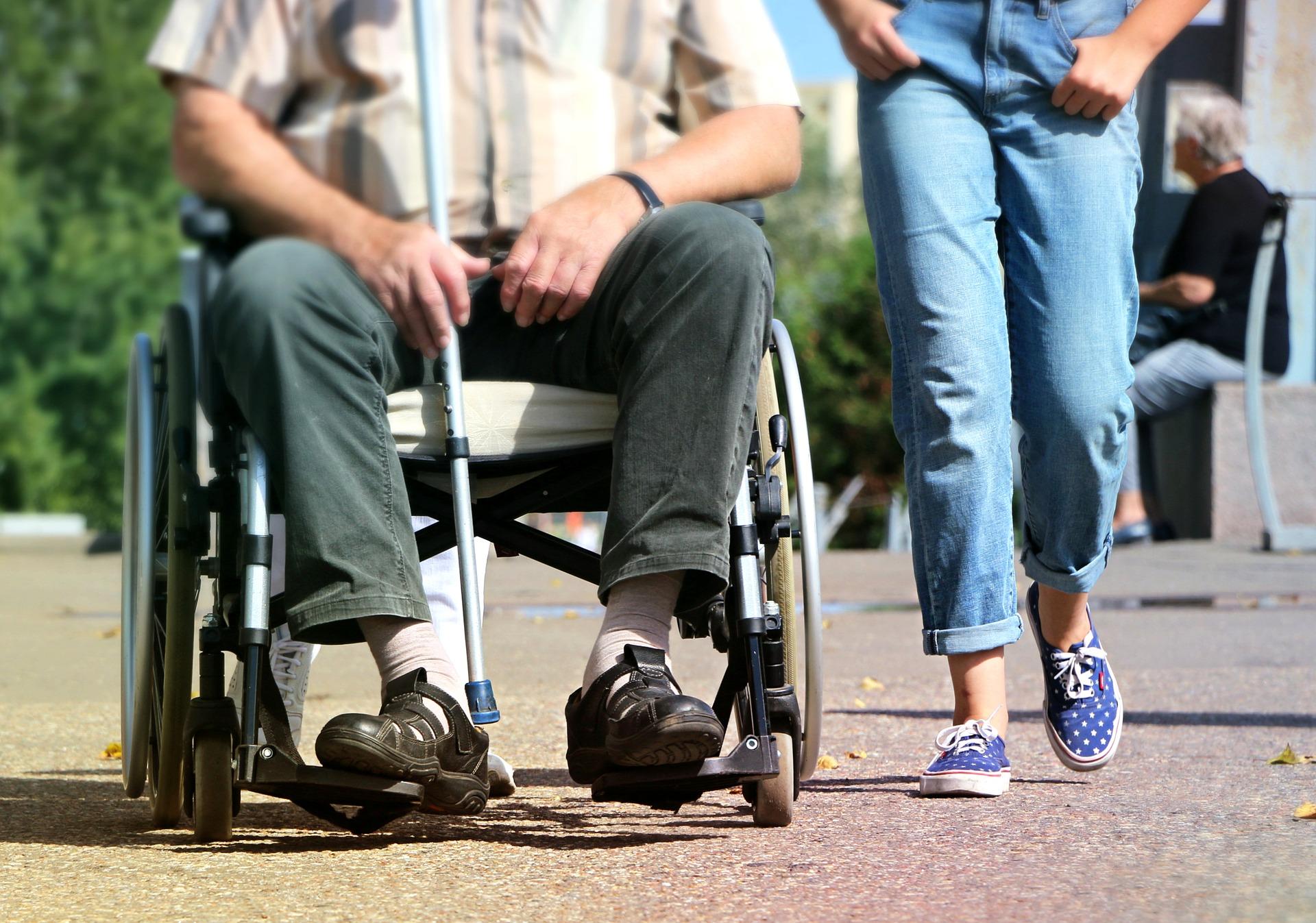 Problemy przy rozkładaniu na raty zwrotu dopłat do pensji niepełnosprawnych